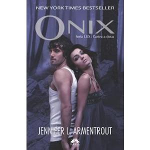 Onix (cartea a doua din seria LUX)