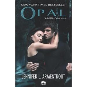 OPAL (cartea a treia din seria LUX)
